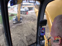 Video: New Holland E215B al lavoro