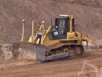 Video: Komatsu D65 PX e New Holland TG 285 al lavoro