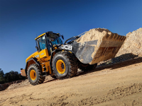 JCB lancia 4 nuove pale gommate