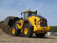 Video: nuova pala Volvo L180H al lavoro con Powerscreen Chieftain 2200