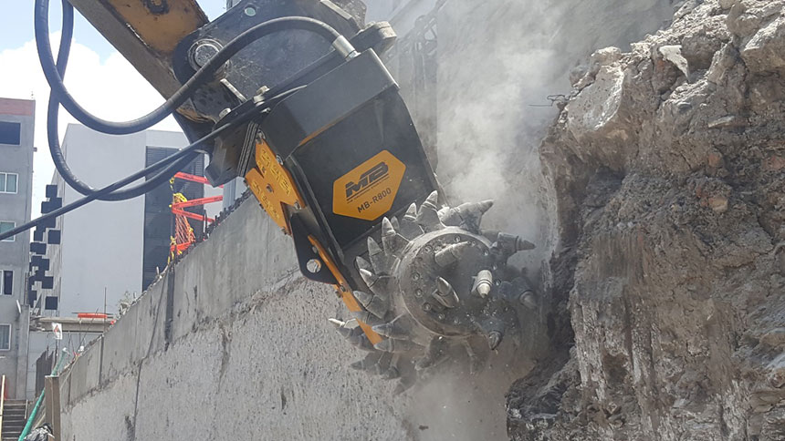 MB-R800 Cat Demolition Concrete Mexico