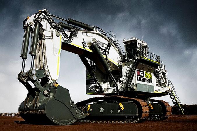 liebherr escavatore  Liebherr R 9800: l'escavatore da miniera più grande al mondo