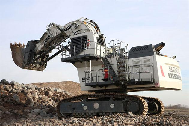 liebherr escavatore  Liebherr: l'escavatore R 9200 scalda i motori per #bauma