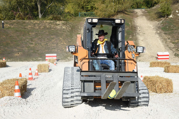 case-compact-track-loader-rodeo